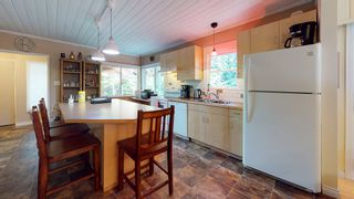 """Photo 4: 12715 LAGOON Road in Madeira Park: Pender Harbour Egmont House for sale in """"PENDER HARBOUR"""" (Sunshine Coast)  : MLS®# R2567037"""