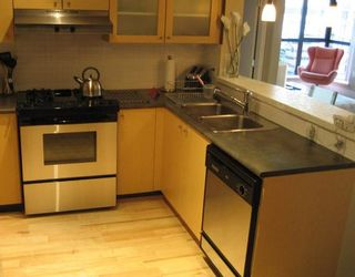 """Photo 5: 905 124 W 1ST Street in North_Vancouver: Lower Lonsdale Condo for sale in """"THE Q"""" (North Vancouver)  : MLS®# V683936"""