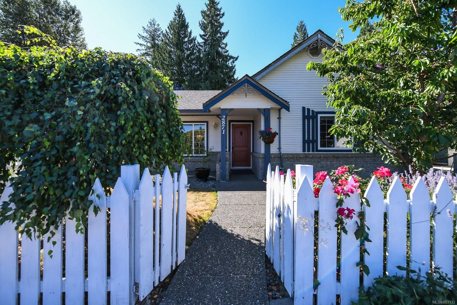 Main Photo: 2871 Penrith Ave in : CV Cumberland House for sale (Comox Valley)  : MLS®# 883133
