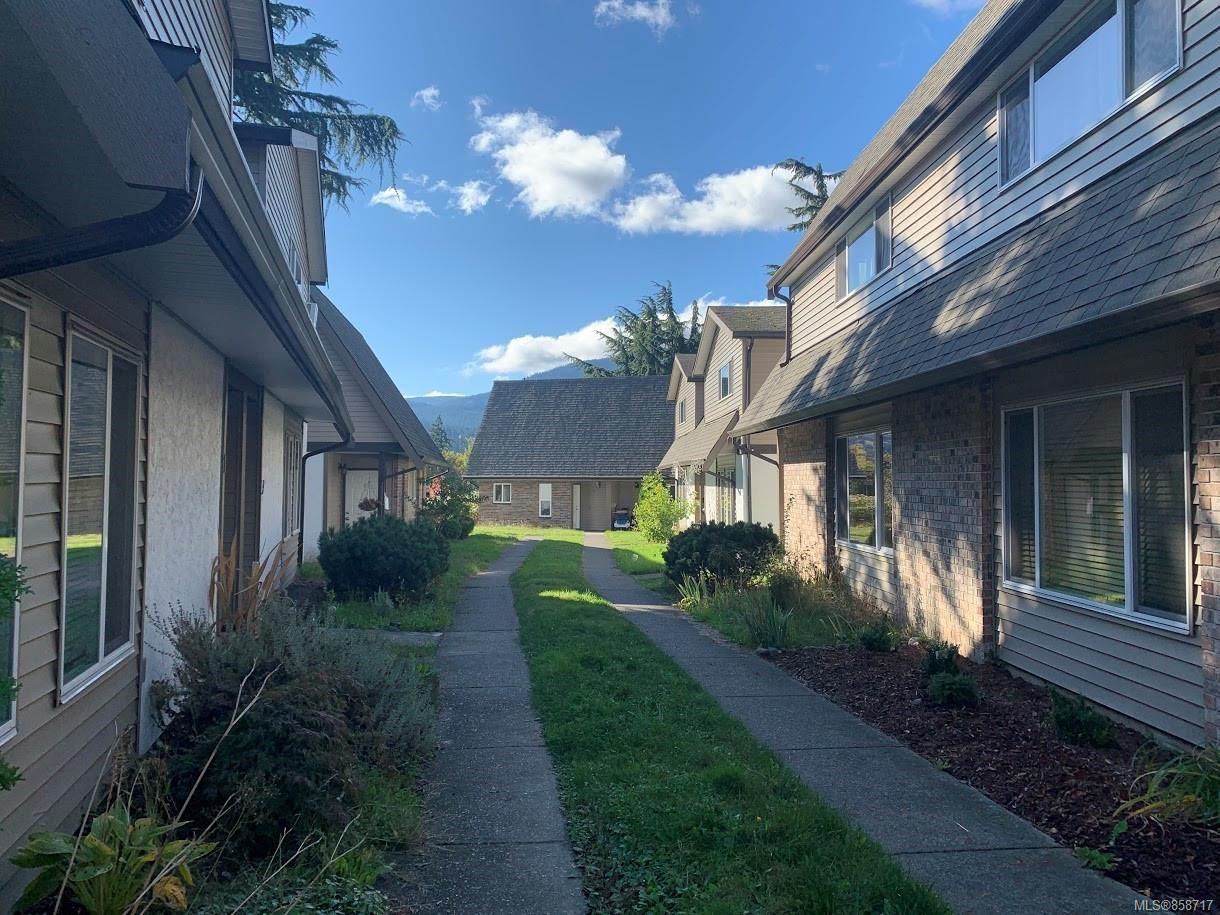Main Photo: 6 1637 Bowen Rd in : Na Central Nanaimo Row/Townhouse for sale (Nanaimo)  : MLS®# 858717