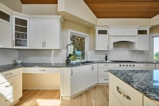 Photo 9: 10977 Greenpark Dr in : NS Swartz Bay House for sale (North Saanich)  : MLS®# 883105