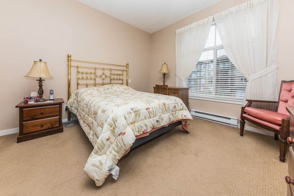 Photo 11: Photos: 211 33338 MAYFAIR Avenue in Abbotsford: Central Abbotsford Condo for sale : MLS®# R2327963