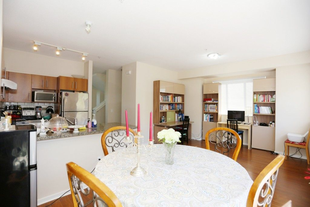 """Photo 7: Photos: 82 8089 209 Street in Langley: Willoughby Heights Townhouse for sale in """"Arborel Park"""" : MLS®# R2067787"""