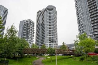 Photo 1: 118 181 Village Green Square in Toronto: Agincourt South-Malvern West Condo for sale (Toronto E07)  : MLS®# E4906059