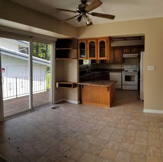 Photo 3: House for sale