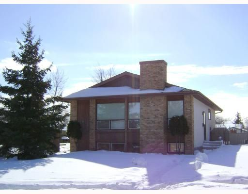 Main Photo: 80 TU-PELO Avenue in WINNIPEG: East Kildonan Residential for sale (North East Winnipeg)  : MLS®# 2802642