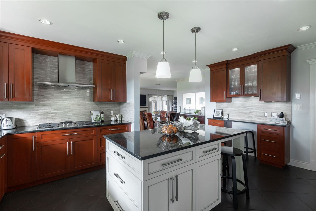 Photo 8: Photos: 80 GLENMORE Drive in West Vancouver: Glenmore House for sale : MLS®# R2468139