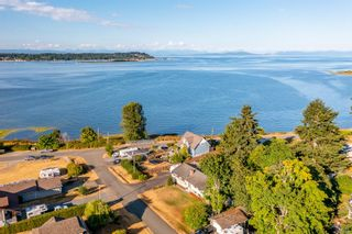 Photo 14: 3921 Ronald Ave in Royston: CV Courtenay South House for sale (Comox Valley)  : MLS®# 881727