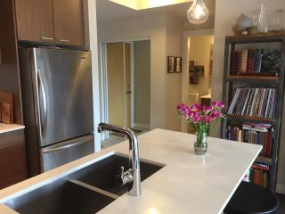 """Photo 5: 205 1330 MARINE Drive in North Vancouver: Pemberton NV Condo for sale in """"THE DRIVE"""" : MLS®# R2148900"""