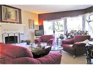 Photo 2:  in VICTORIA: La Mill Hill House for sale (Langford)  : MLS®# 368550