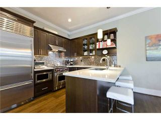 Photo 4: 2956 W 2nd Avenue in Vancouver: Kitsilano Duplex for sale (Vancouver West)  : MLS®# V897012