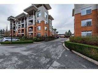 """Photo 3: 406 33545 RAINBOW Avenue in Abbotsford: Central Abbotsford Condo for sale in """"Tempo"""" : MLS®# R2527178"""