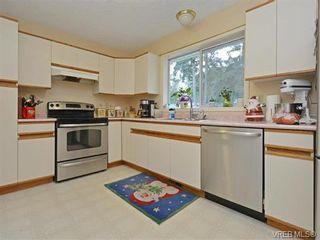 Photo 7: 1039 Haslam Ave in VICTORIA: La Glen Lake Half Duplex for sale (Langford)  : MLS®# 751398