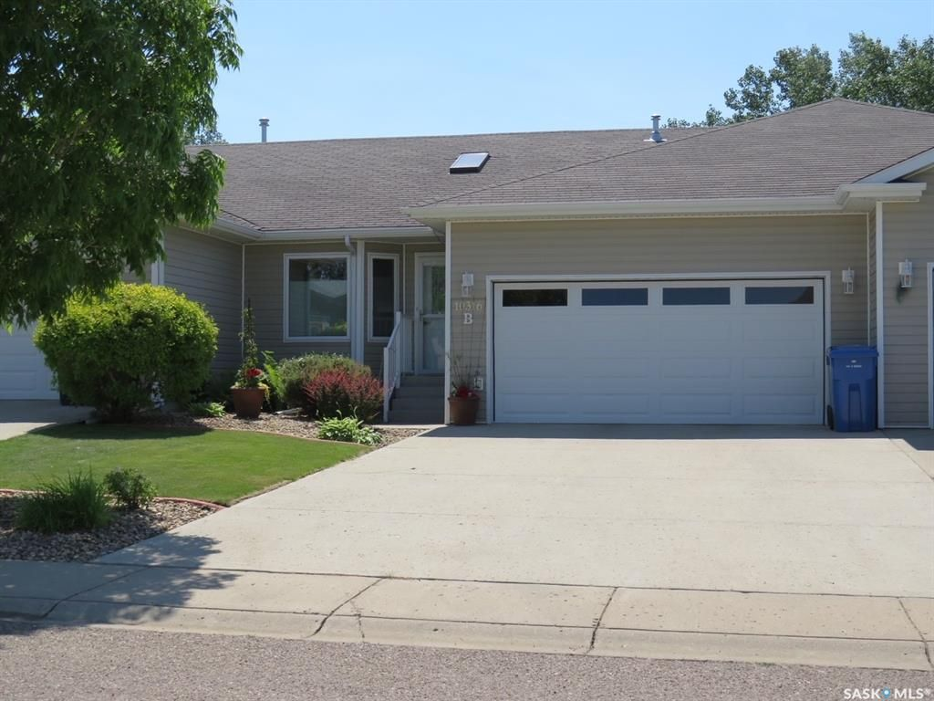 Main Photo: 10316B Henderson Drive in North Battleford: Fairview Heights Residential for sale : MLS®# SK862787