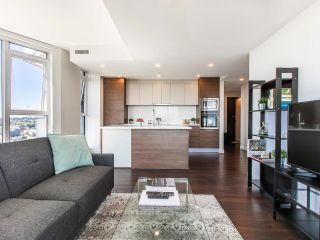 """Photo 17: 2205 285 E 10TH Avenue in Vancouver: Mount Pleasant VE Condo for sale in """"The Independent"""" (Vancouver East)  : MLS®# R2599683"""