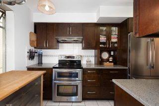 """Photo 9: 501 1960 ROBSON Street in Vancouver: West End VW Condo for sale in """"Lagoon Terrace"""" (Vancouver West)  : MLS®# R2528617"""