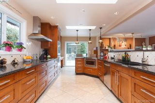 Photo 8: 8850 Moresby Park Terr in NORTH SAANICH: NS Dean Park House for sale (North Saanich)  : MLS®# 780144