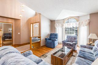 Photo 5: 307 DOUGLASBANK Place SE in Calgary: Douglasdale/Glen Detached for sale : MLS®# C4232751