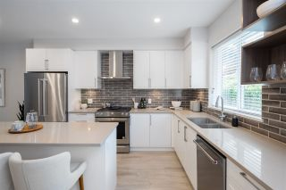"""Photo 4: 20 70 SEAVIEW Drive in Coquitlam: College Park PM Townhouse for sale in """"CEDAR RIDGE"""" (Port Moody)  : MLS®# R2523220"""