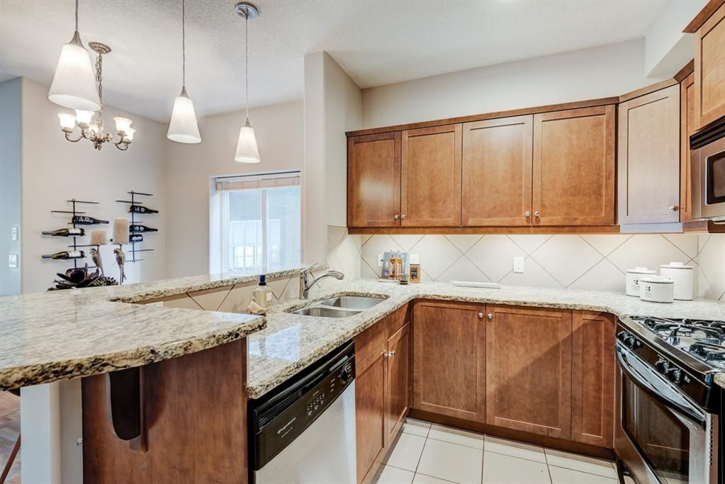 Photo 6: Photos: 102 509 21 Avenue SW in Calgary: Cliff Bungalow Apartment for sale : MLS®# A1100850