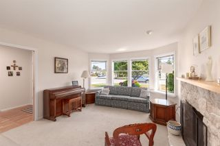 Photo 3: 5111 CENTRAL AVENUE in Delta: Hawthorne House for sale (Ladner)  : MLS®# R2398006