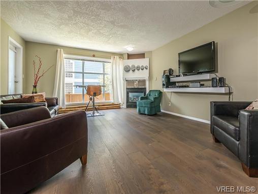 Main Photo: 104 1007 Caledonia Ave in VICTORIA: Vi Central Park Condo for sale (Victoria)  : MLS®# 739752
