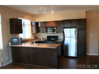 Photo 2: 302 2220 Sooke Rd in VICTORIA: Co Hatley Park Condo for sale (Colwood)  : MLS®# 482680