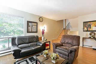Photo 7: 14835 HOLLY PARK Lane in Surrey: Guildford Townhouse for sale (North Surrey)  : MLS®# R2211598