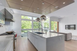 Photo 3: 782 W 22ND AVENUE in Vancouver: Cambie House for sale (Vancouver West)  : MLS®# R2461365