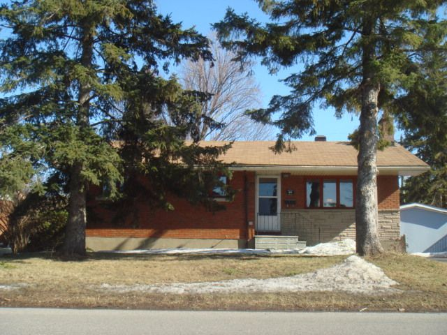 Main Photo: 66 MAJESTIC DRIVE in : 7606- Manordale Residential for sale : MLS®# 864598