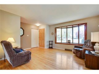 Photo 3: 129 FAIRVIEW Crescent SE in Calgary: Fairview House for sale : MLS®# C4062150