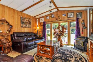 """Photo 3: 33 2305 200 Street in Langley: Brookswood Langley Manufactured Home for sale in """"Cedar Lane Park"""" : MLS®# R2465102"""