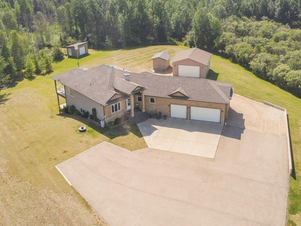 Main Photo: 30 26516 TWP 514: Rural Parkland County House for sale : MLS®# E4251058