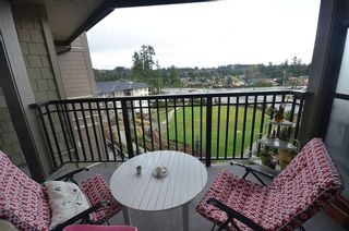 "Photo 11: 507 3156 DAYANEE SPRINGS Boulevard in Coquitlam: Westwood Plateau Condo for sale in ""TAMARAK"" : MLS®# R2126735"