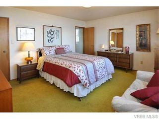 Photo 10: 9251 Lochside Dr in NORTH SAANICH: NS Bazan Bay House for sale (North Saanich)  : MLS®# 742673