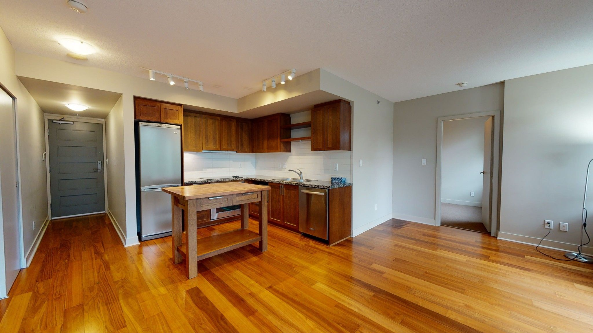 Main Photo: xxx 2288 West Broadway in Vancouver: Kitsilano Condo for rent (Vancouver West)