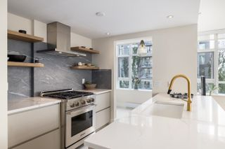 Photo 6: 604 988 RICHARDS STREET in Vancouver: Yaletown Condo for sale (Vancouver West)  : MLS®# R2611073