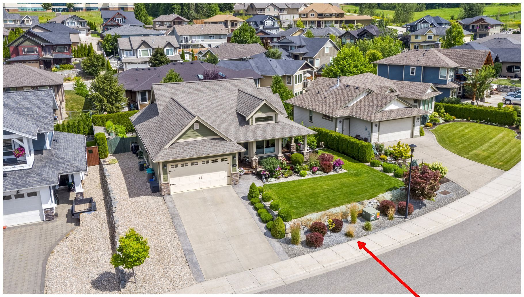 Main Photo: 1740 Northeast 22 Street in Salmon Arm: Lakeview Meadows House for sale : MLS®# 10213382