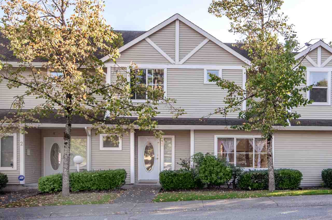 """Main Photo: 1 14788 105A Avenue in Surrey: Guildford Townhouse for sale in """"Glenwood Gate"""" (North Surrey)  : MLS®# R2210414"""