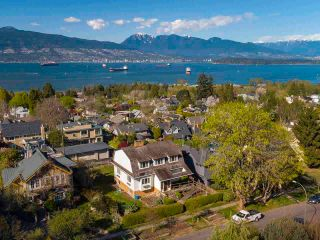 """Photo 5: 4545 W 6TH Avenue in Vancouver: Point Grey House for sale in """"Point Grey"""" (Vancouver West)  : MLS®# R2575660"""