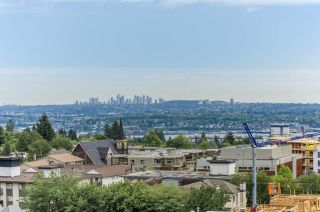 """Main Photo: 903 112 E 13TH Street in North Vancouver: Central Lonsdale Condo for sale in """"Centerview"""" : MLS®# R2542143"""