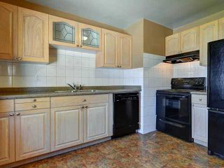 Photo 5: 116 THORNCREST Road NW in CALGARY: Thorncliffe Residential Detached Single Family for sale (Calgary)  : MLS®# C3576434