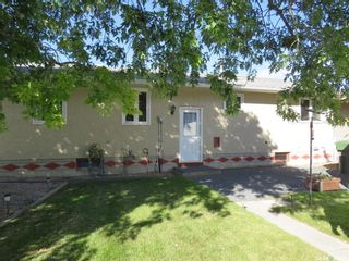 Photo 3: 2112 101st Crescent in North Battleford: Centennial Park Residential for sale : MLS®# SK870115