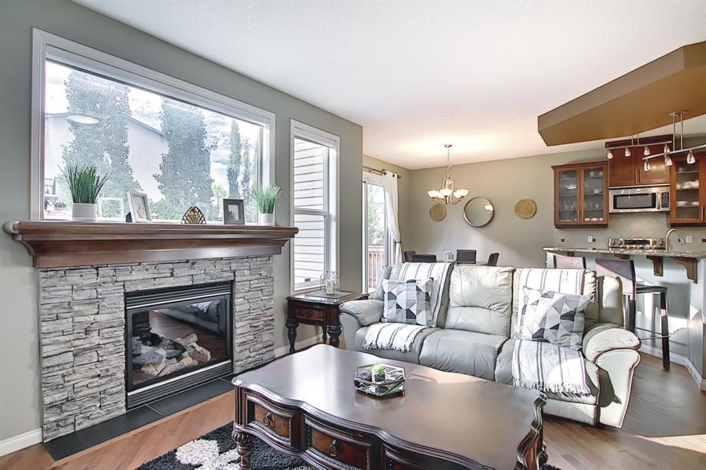 Photo 3: Photos: 14 ASPEN HILLS Manor SW in Calgary: Aspen Woods Detached for sale : MLS®# A1116032