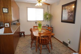 Photo 8: 18 Scalena Place in : Westwood Single Family Detached for sale
