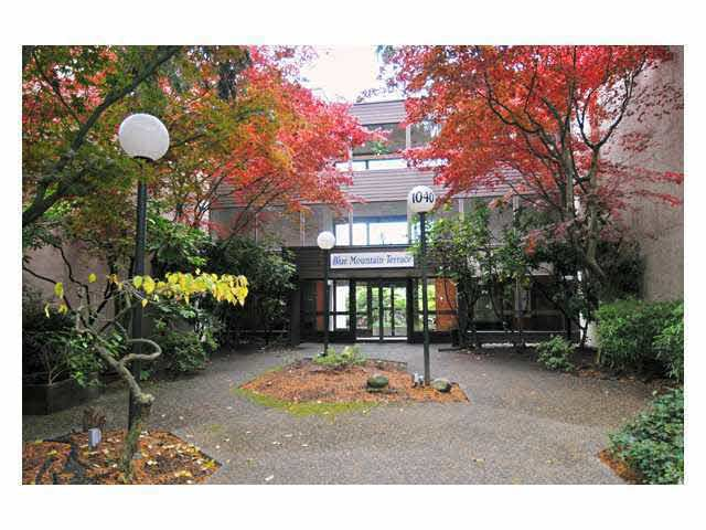 Main Photo: 101 1040 KING ALBERT AVENUE in : Central Coquitlam Condo for sale : MLS®# V917340