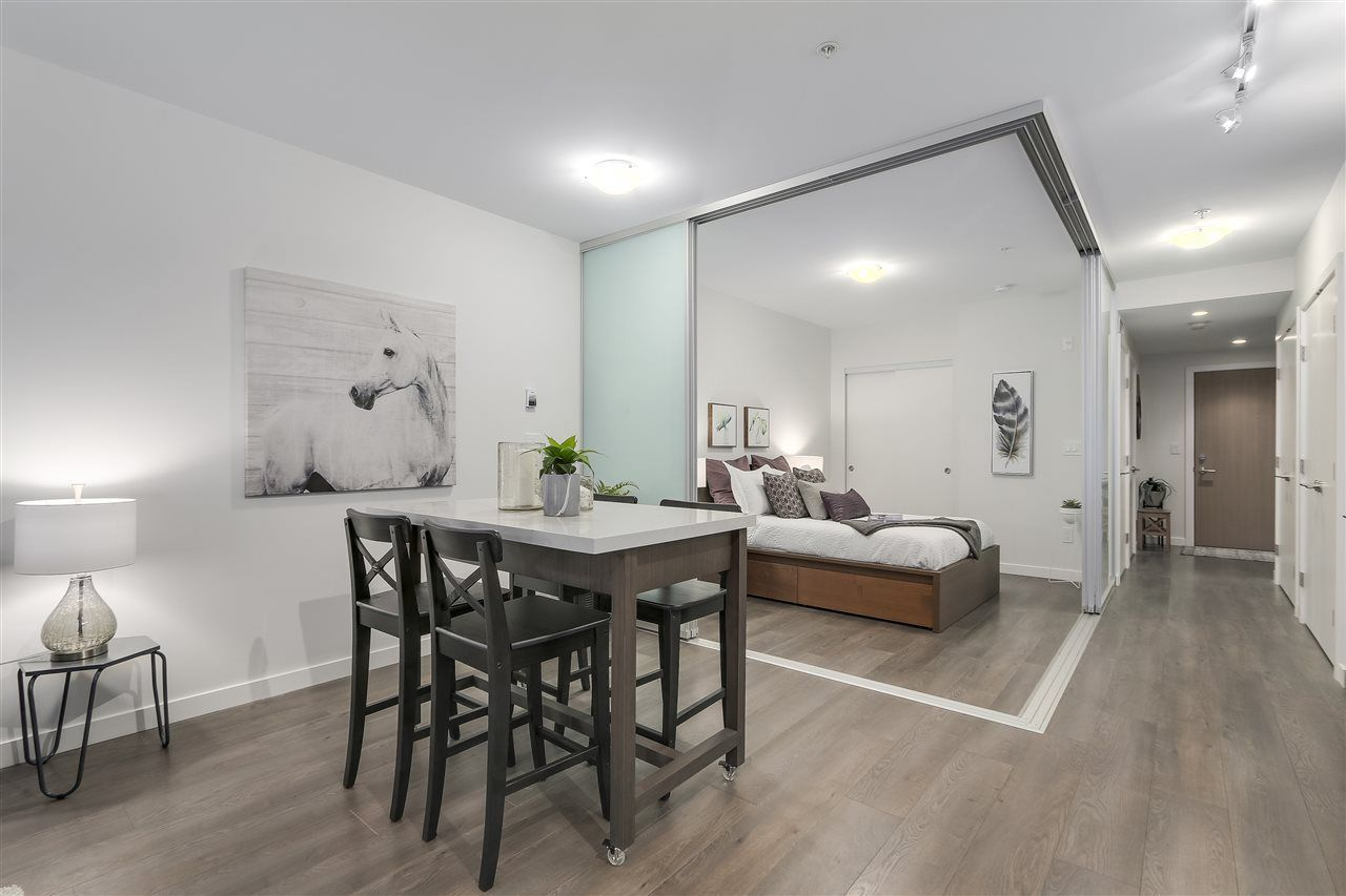 """Photo 6: Photos: 521 384 E 1ST Avenue in Vancouver: Mount Pleasant VE Condo for sale in """"CANVAS"""" (Vancouver East)  : MLS®# R2230543"""