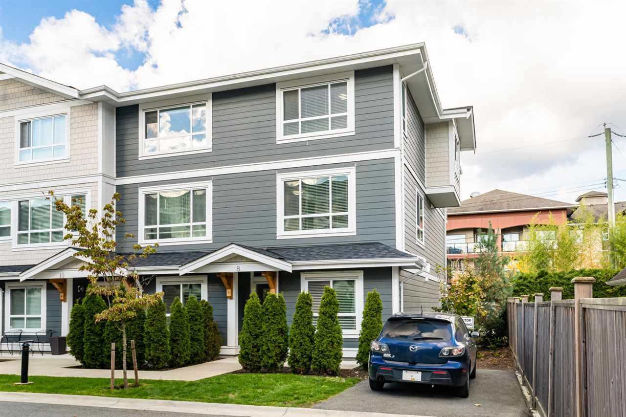 """Main Photo: 8 19753 55A Avenue in Langley: Langley City Townhouse for sale in """"City Park Townhomes"""" : MLS®# R2512511"""