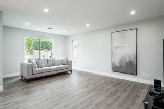 "Photo 12: 5500 WALLACE Avenue in Delta: Pebble Hill House for sale in ""Pebble Hill"" (Tsawwassen)  : MLS®# R2624650"