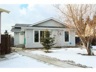 Photo 2: 136 Falton Close NE in Calgary: Falconridge House  : MLS®# C4101015